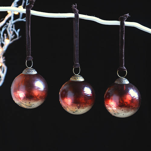 Amber Gold Baulbles